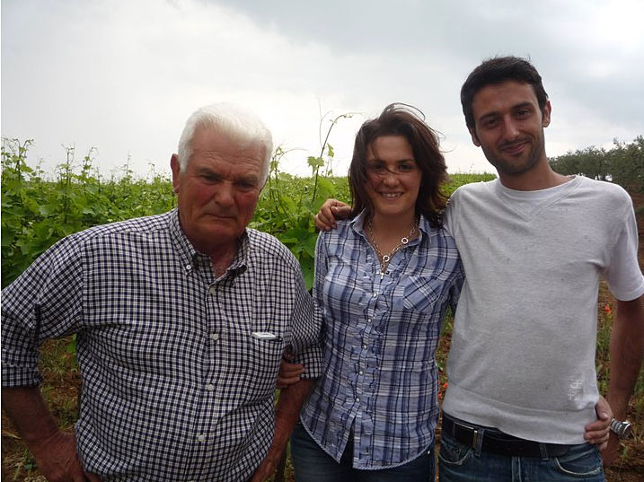 Elisabetta with father and brother, photo from polanerselections.com