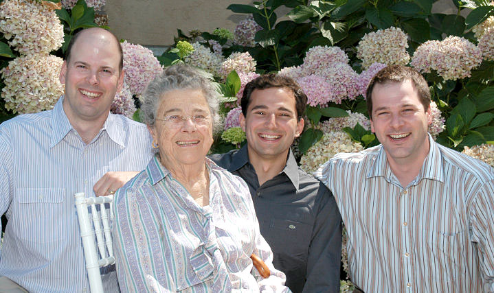 From Left to Right: Otto Komes, Flora Komes, Sean Garvey (Vineyard Manager) and Nat Komes (General Manager)