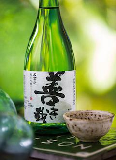 Nagurayama (720 ml) 'Master's Touch' Yokikana Junmai Ginjo, Fukushima Prefecture